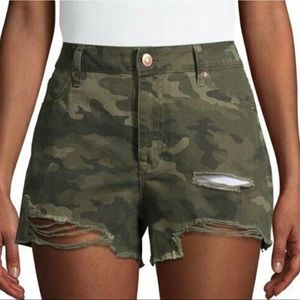 NOBO HIGH RISE SHORTS RIPPED SIZE 1